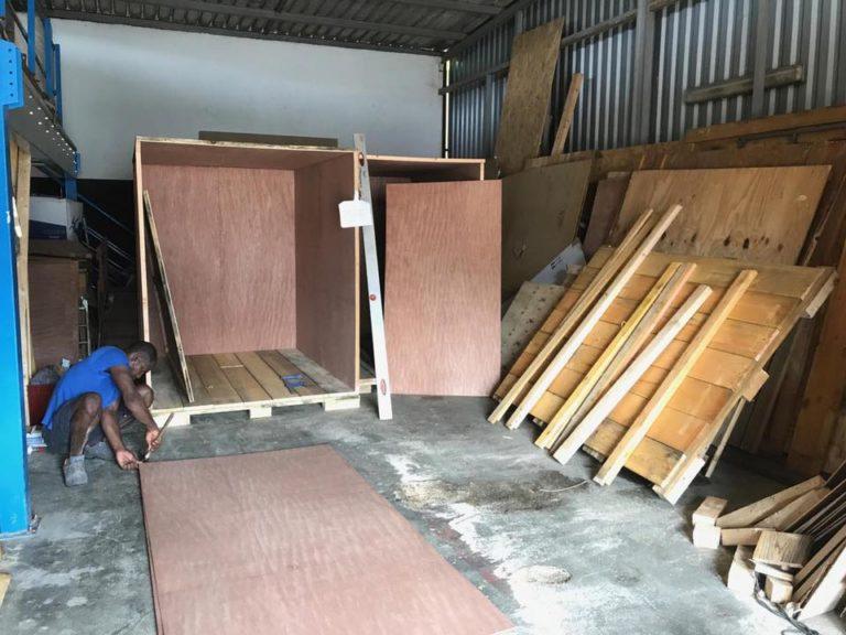 Caisse en bois déménagement - garde-meubles